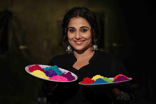 Vidya Balan Playing Holi For Promoting Begum Jaan movie 3.JPG