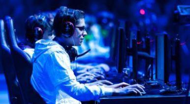 Siapa Yang Minat Bekerja dan Bkarier di Bidang E-Sports? Team RRQ Tengah Membuka Lowongan Pekerjaan