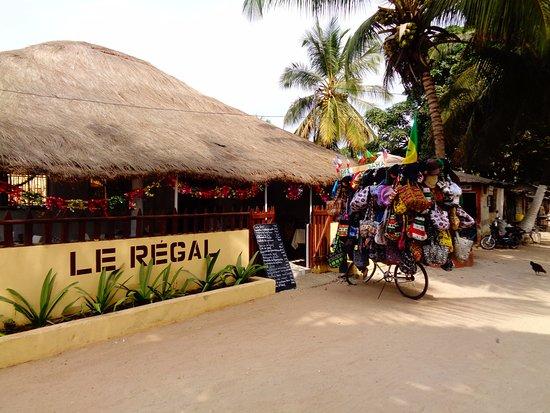 Restaurant, Regal, Cap, Skirring, Casamance, menu, plat, repas, déjeuner, buffet, pâtisserie, gastronomie, brochettes, poulet, grillades, viande, cuisine, LEUKSENEGAL, Dakar, Sénégal, Afrique
