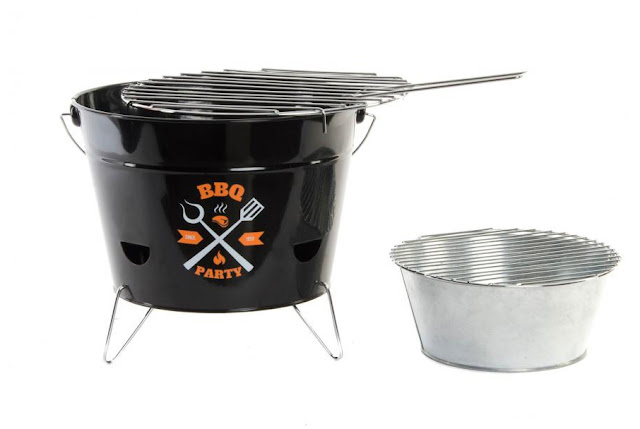 https://www.dortehogar.com/es/accesorios-de-cocina/4340-dorte-hogar-deco-barbacoa-metal-con-asa-y-patas-bbq-party-cubo?search_query=BBQ&results=2
