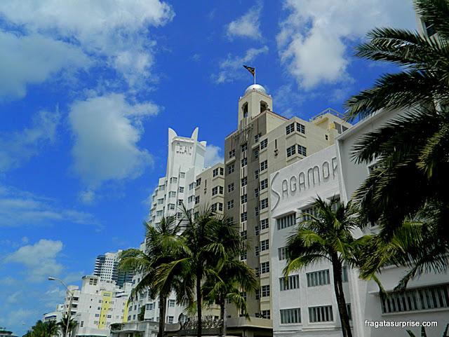 Três famosos edifícios art déco em South Beach, os hotéis Delano, National e Sagamore, na Collins Avenue