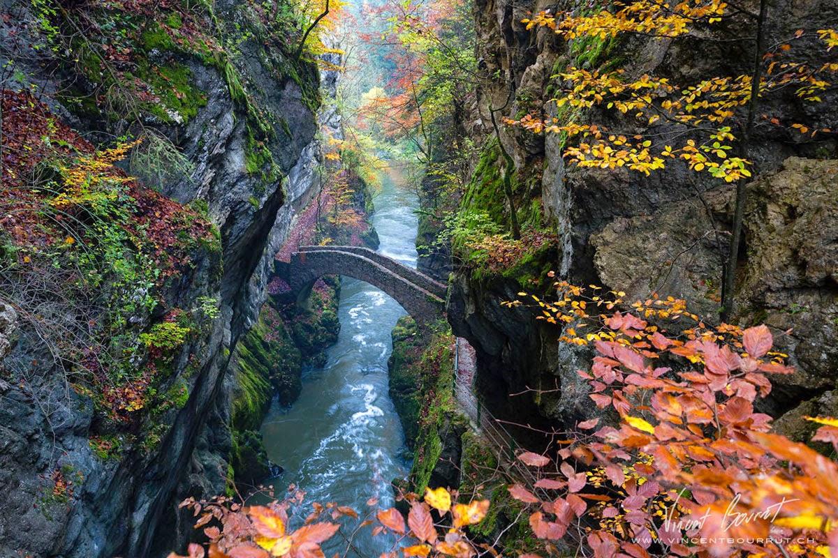 جسر على مضيق أروس