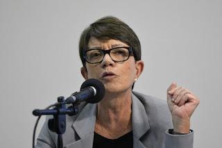 """Debora Duprat afirmou durante debate que é um equívoco achar que as crianças pertencem às famílias, sugerindo como um """"problema"""" do Estado"""