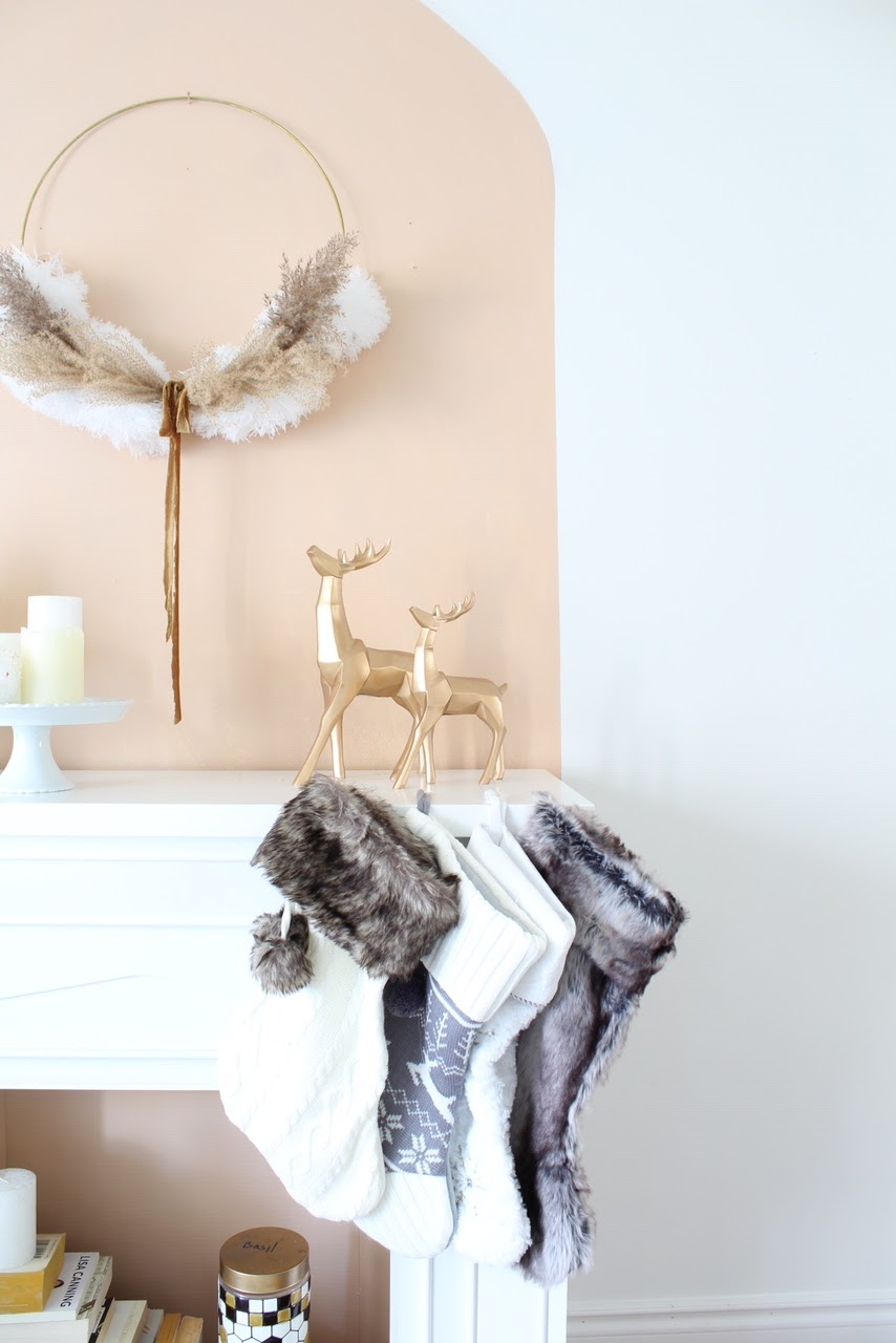 Christmas Mantel Decor Ideas: Faux Fireplace