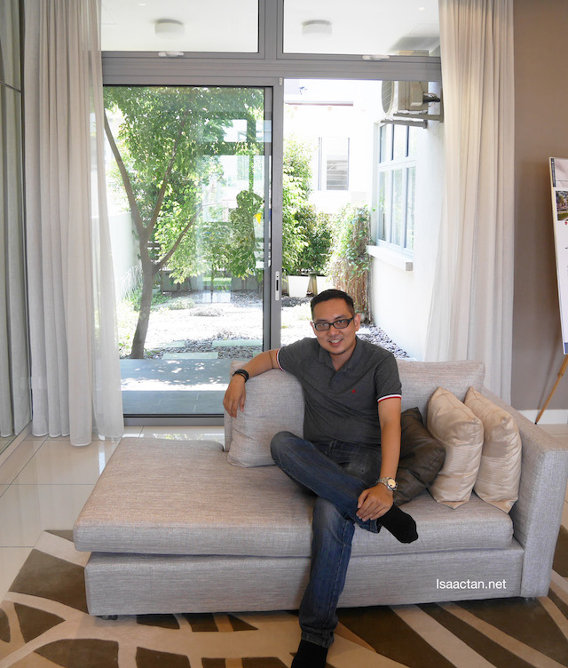 I could not resist snapping a picture in the luxurious living room, in front of the private courtyard