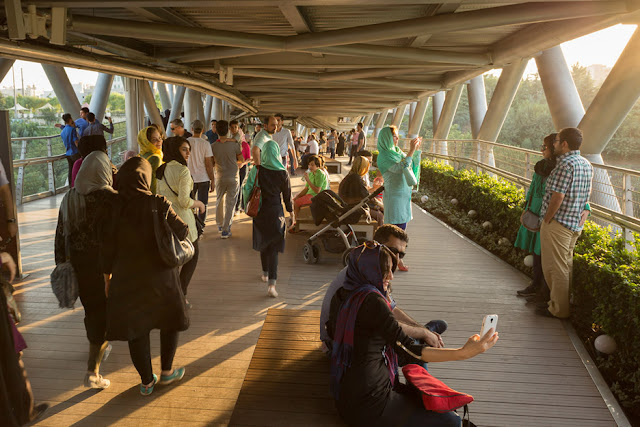 arsitek wanita perancang Tabiat bridge