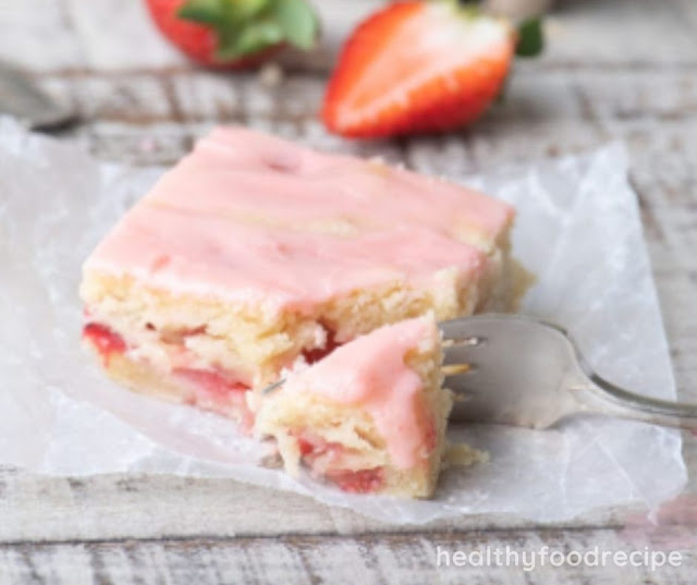 STRAWBERRY LEMON BLONDIES RECIPE