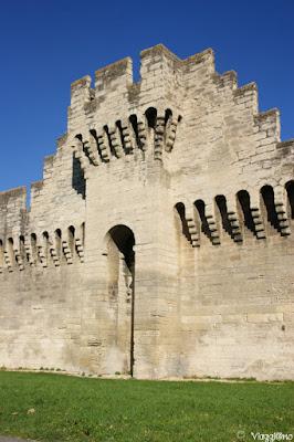 Una delle porte di accesso ad Avignone