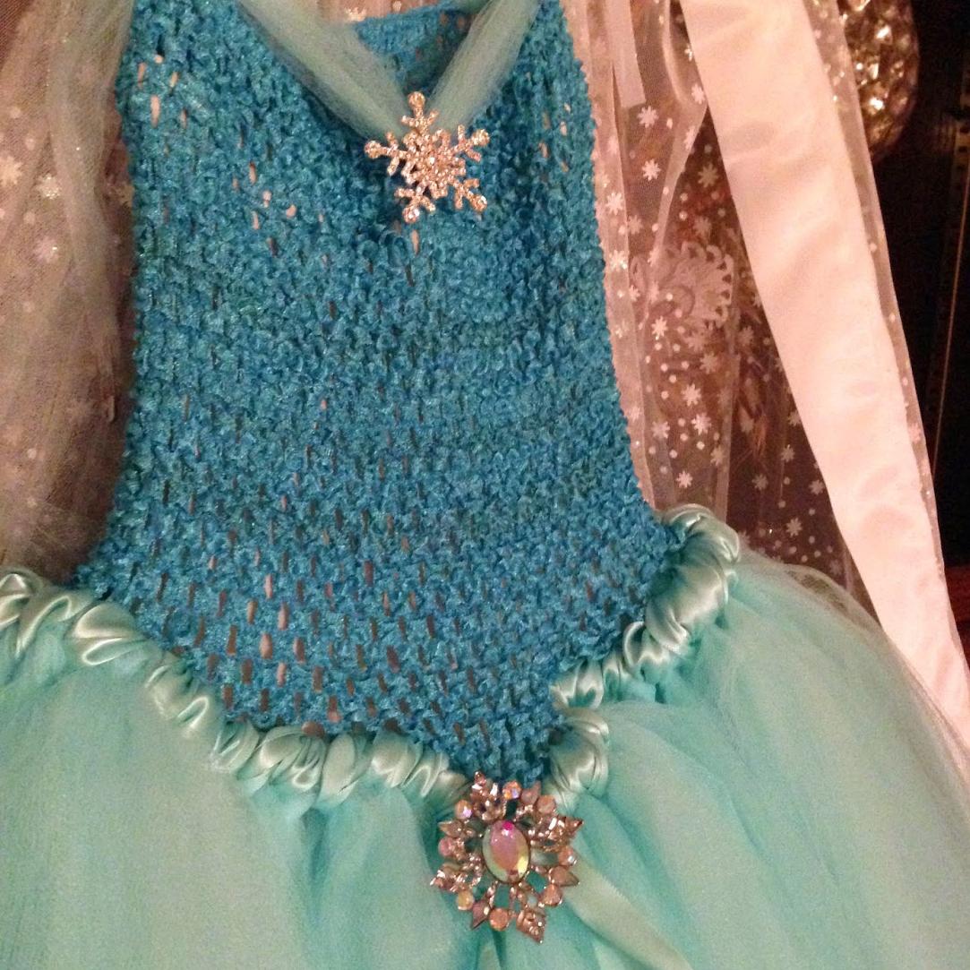Frozen Party How-To: DIY Elsa Inspired Tutu Dress, Lace Tiara ...