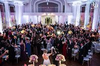 casamento com cerimônia na Igreja Nossa Senhora das Dores, em Porto Alegre, e festa e recepção no Salão dos Espelhos do Clube do Comércio com decoração simples, romântica e delicada por Fernanda Dutra Eventos, cerimonialista em Porto Alegre Wedding, Planner em Portugal, brasileiros casando em Portugal