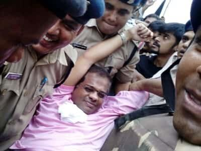"""BIG BREAKING पत्रवार्ता : छत्तीसगढ़ पुलिस ने """"अमित जोगी """" को किया गिरफ्तार,गौरेला थाने में दर्ज है 420 का मामला,कल BJP नेता समीरा पैंकरा ने किया था SP कार्यालय का घेराव"""