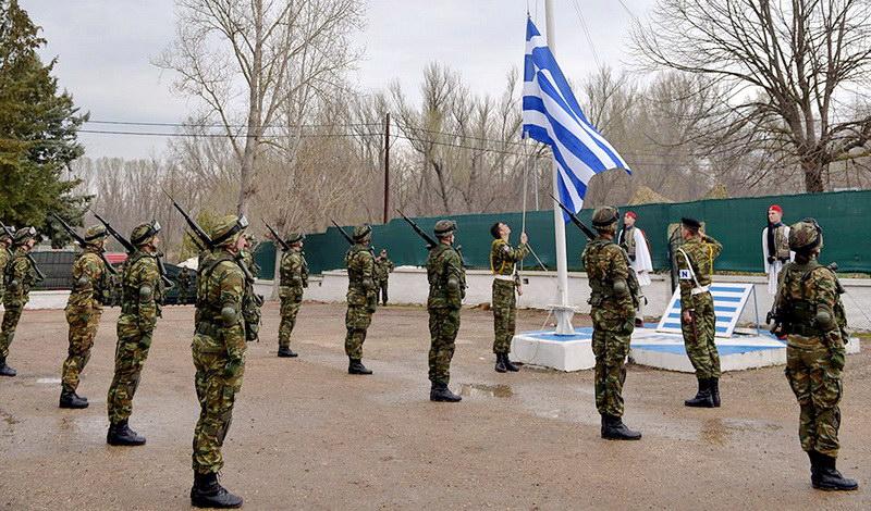 Έπαρση σημαίας για την 25η Μαρτίου στις Καστανιές Έβρου - Συγκλόνισε το μήνυμα του πιλότου (photos+video)
