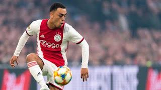 Ajax defender Sergino Dest said to remain on Barcelona's radar
