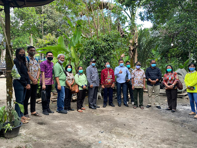 Distanakan Bartim dapat Kunjungan dari DPRD Panajam Paser Utara, Kaji Budidaya Ayam Petelur