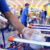 Agora é lei! Supermercados de Manaus têm de oferecer álcool em 70% para clientes higienizarem as mãos e os carrinhos