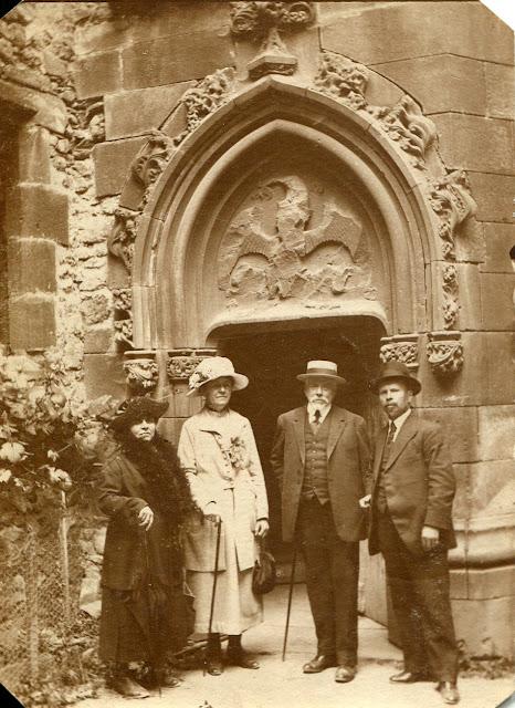 Photo de famille à identifier, en 1920.