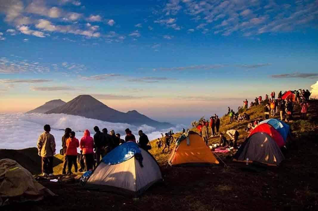 Camping di Gunung Prau Wisata Dieng
