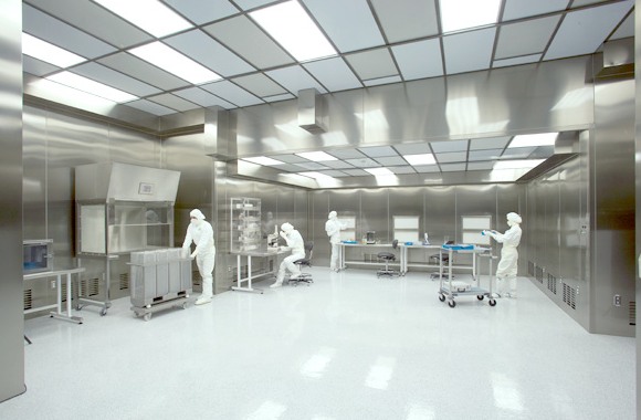 How to Choose Right Cleanroom Tables and Growing Racks