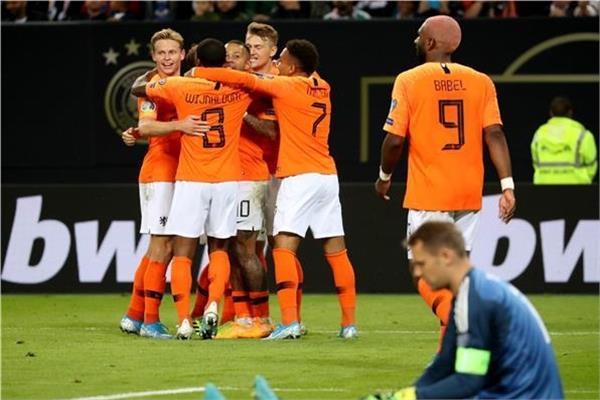 هولندا تسحق ألمانيا برباعية في تصفيات يورو 2020