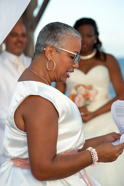 mariage Guadeloupe la créole beach le Gosier officiant