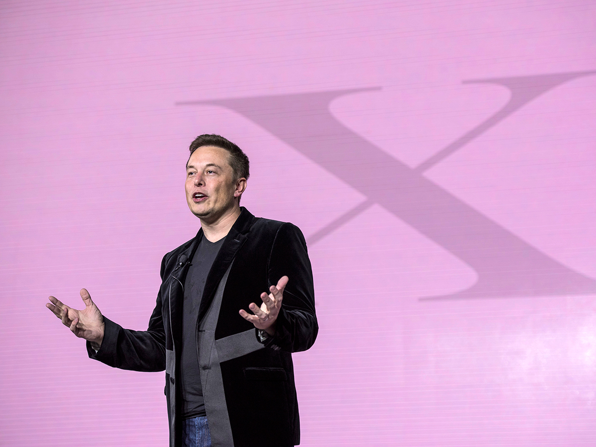 TOP 2 -Elon Musk, 44; CEO, Tesla Motors và Space X, sáng lập Paypal