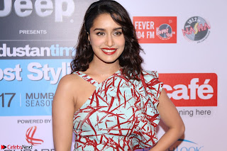 Bollywood Celebrities showcasing Glittering Fashion sense at The Red Carpet Of Most Stylish Awards 2017 24th March 2017 Part 3