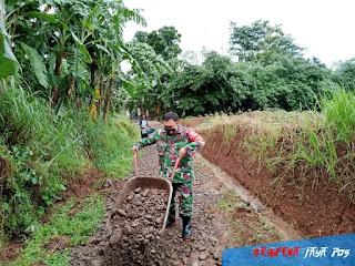 Perbaikan Akses Jalan Menuju Area Pertanian Desa Bumiharjo Keling, Jepara