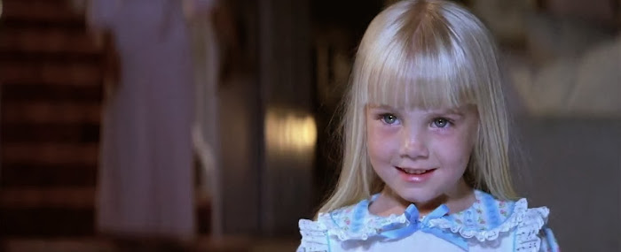 Screen Shot Of Hollywood Movie Poltergeist (1982) In Hindi English Full Movie Free Download And Watch Online at worldfree4u.com