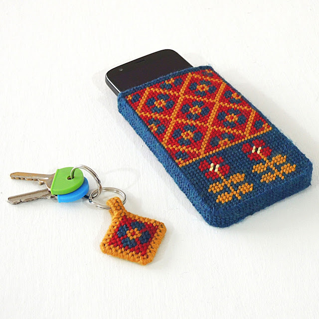 Plastic canvas phone cover and keyring