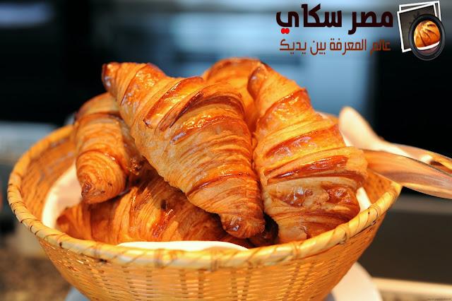 الكرواسون وخطوات التحضير بالصور Croissants