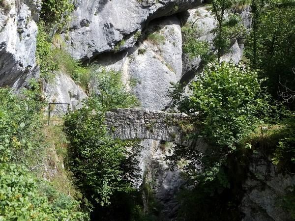 savoie randonnée chartreuse voie sarde guiers vif pont romain