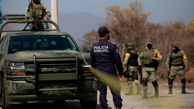 URGENTE: Sicarios atacan autobús llenó de policías en Tamaulipas, se teme lo peor