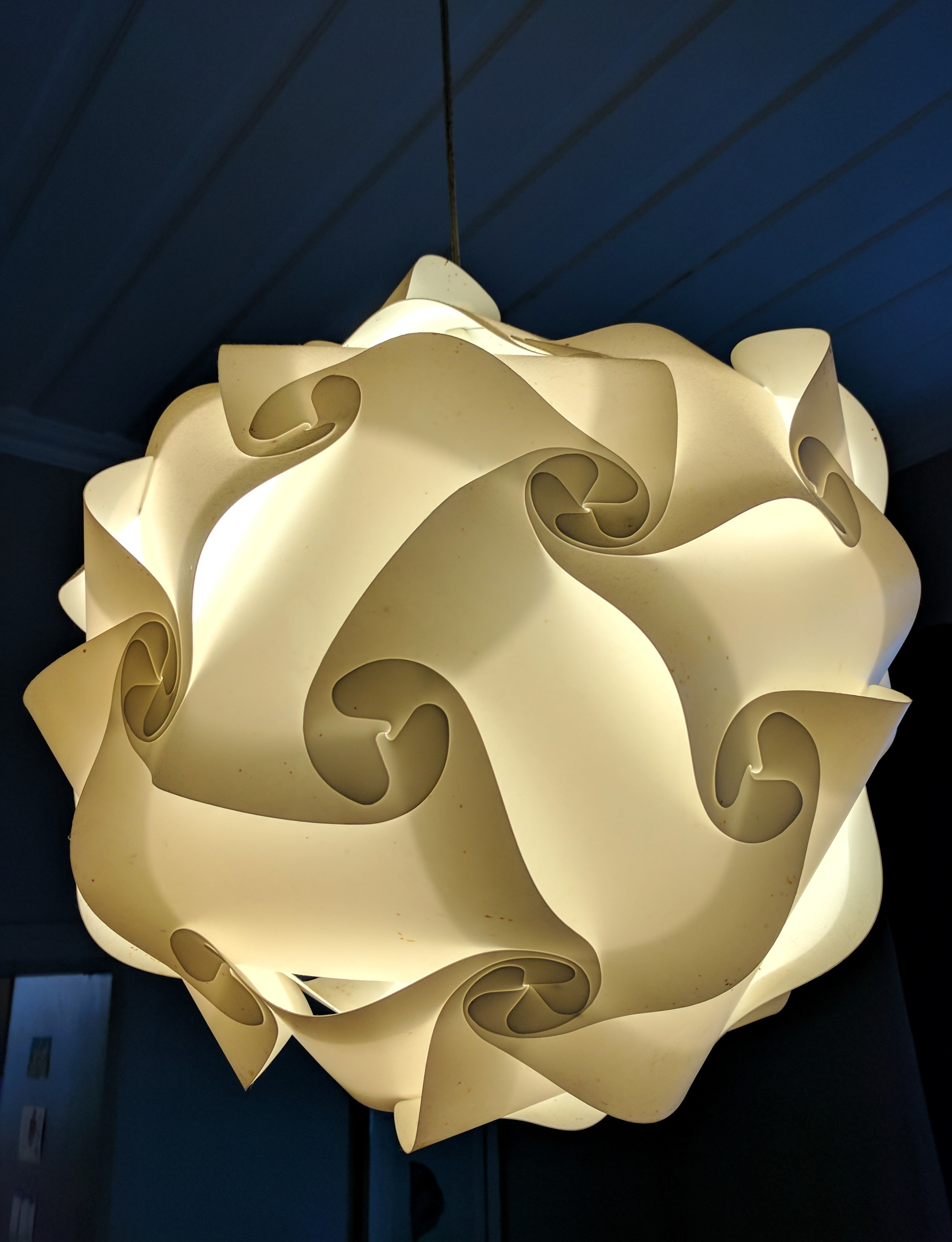 Twirly lampshade