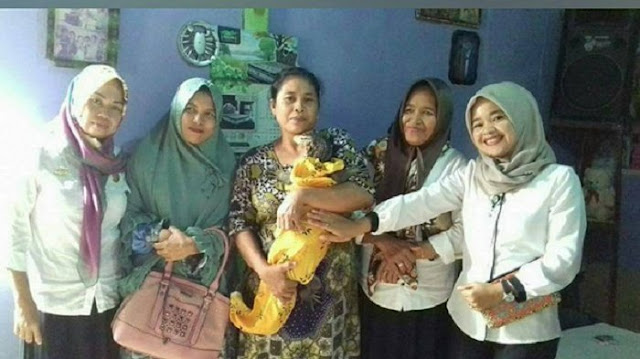 Wanita Indonesia Dakwa Lahir Kembar Biawak