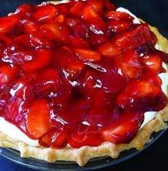 Strawberry Cream Pie To Die For
