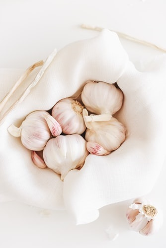 Surprising Health benefits of garlic you may not know