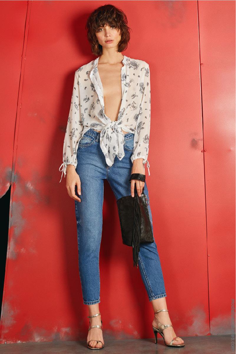Ropa de moda primavera verano 2020: blusas con lazos anudados primavera verano 2020.