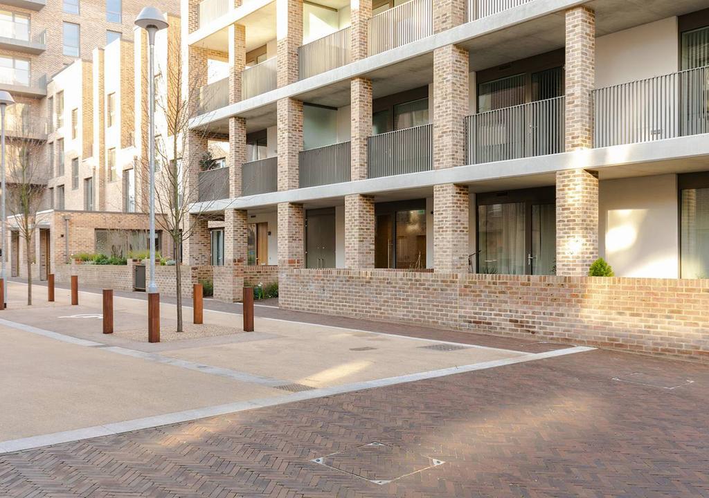 Slick Suite in a Waterside West-London Development