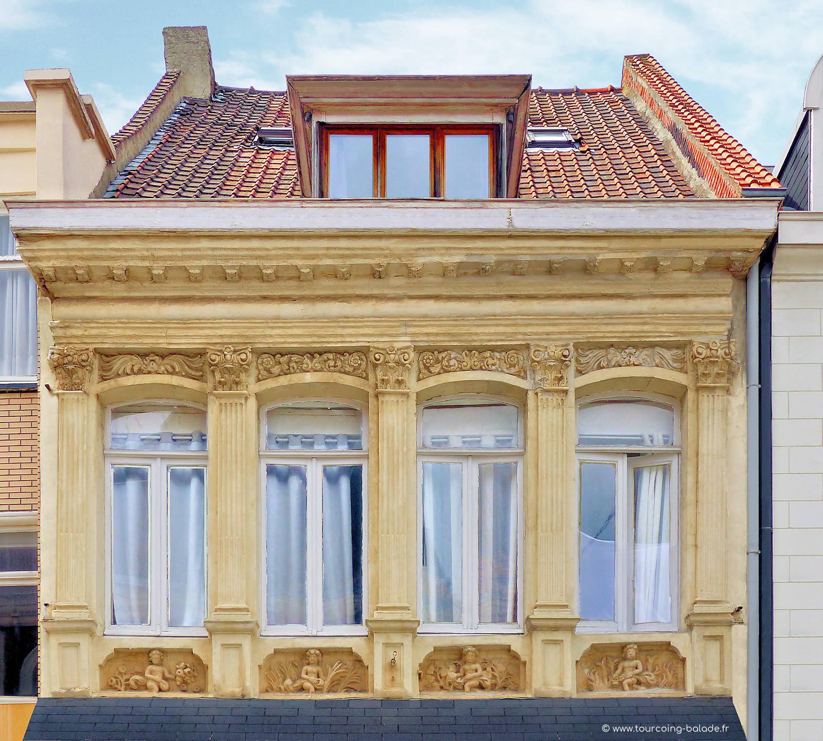 Tourcoing Grand Place - Maison dite des 4 saisons.