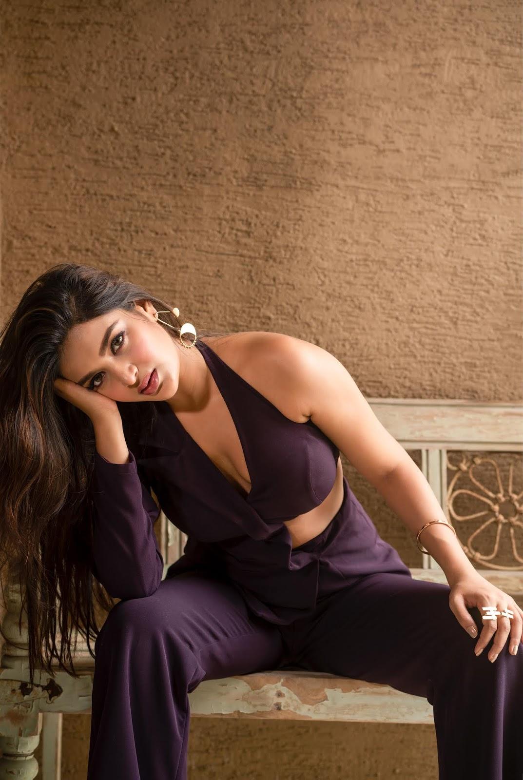 Nidhhi Agerwal Latest Photo Shoot Stills
