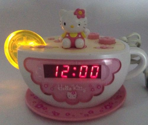 treasure box 881 6463 hello kitty alarm clock radio night light. Black Bedroom Furniture Sets. Home Design Ideas