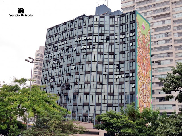 Vista ampla do lindo e curioso Edifício Maria Christina - Pinheiros - São Paulo