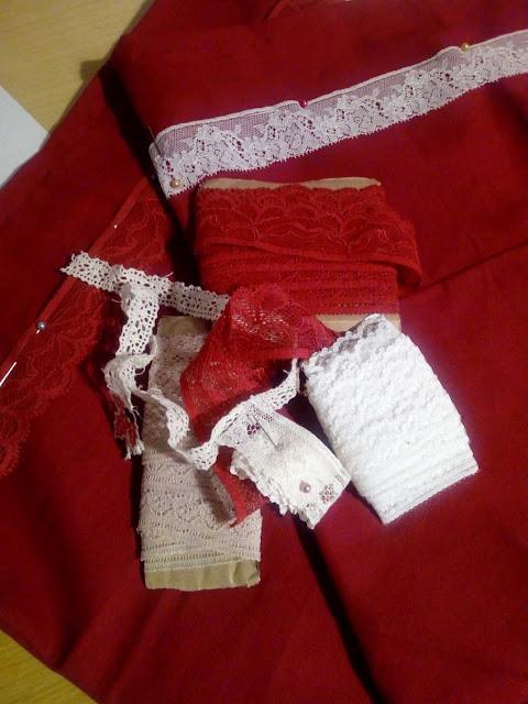 tissu,rouge,couture,galon,dentelle