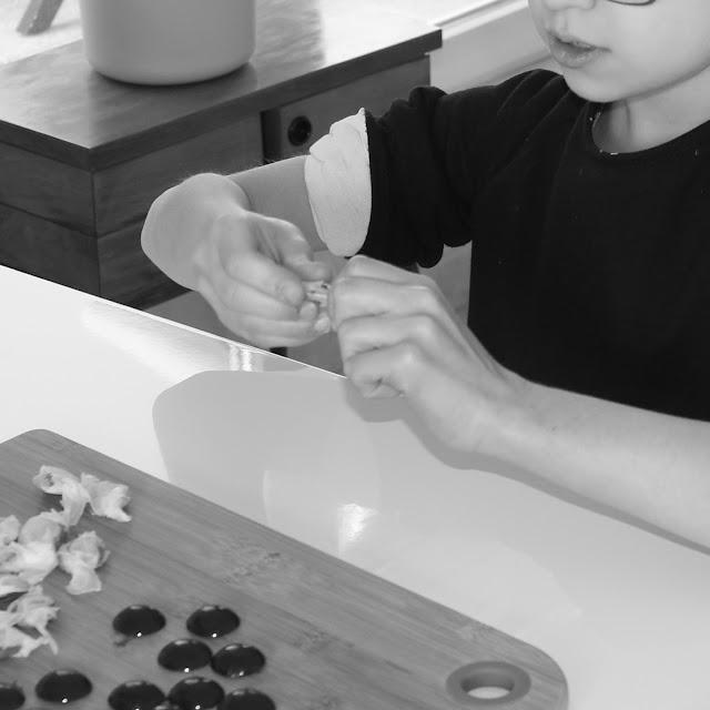 Bonbons au miel, propolis, huile essentielle, citron, L'atelier des bonbons bio, recette de bonbons, Linda LOUIS,
