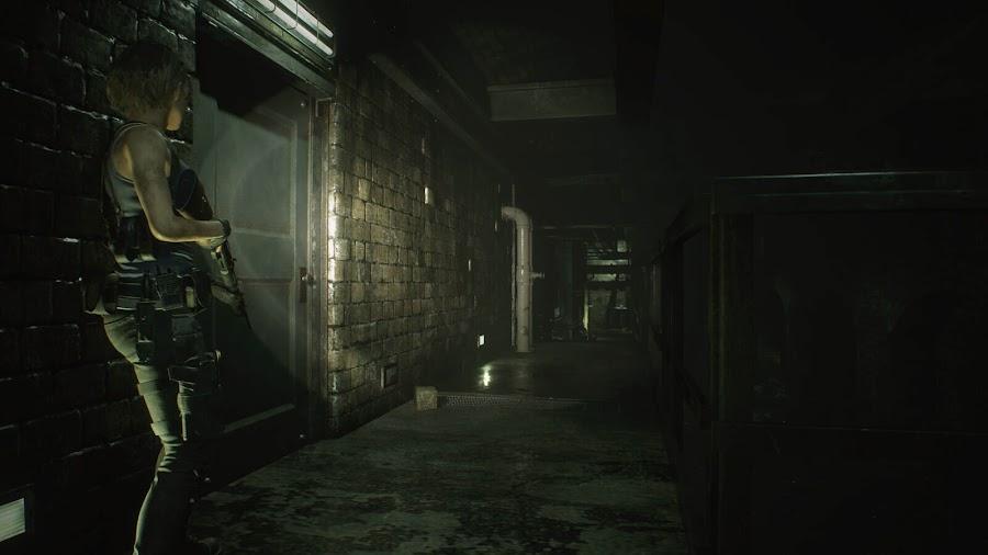 resident evil 3 remake screenshot image jill valentine shotgun raccoon city sewer
