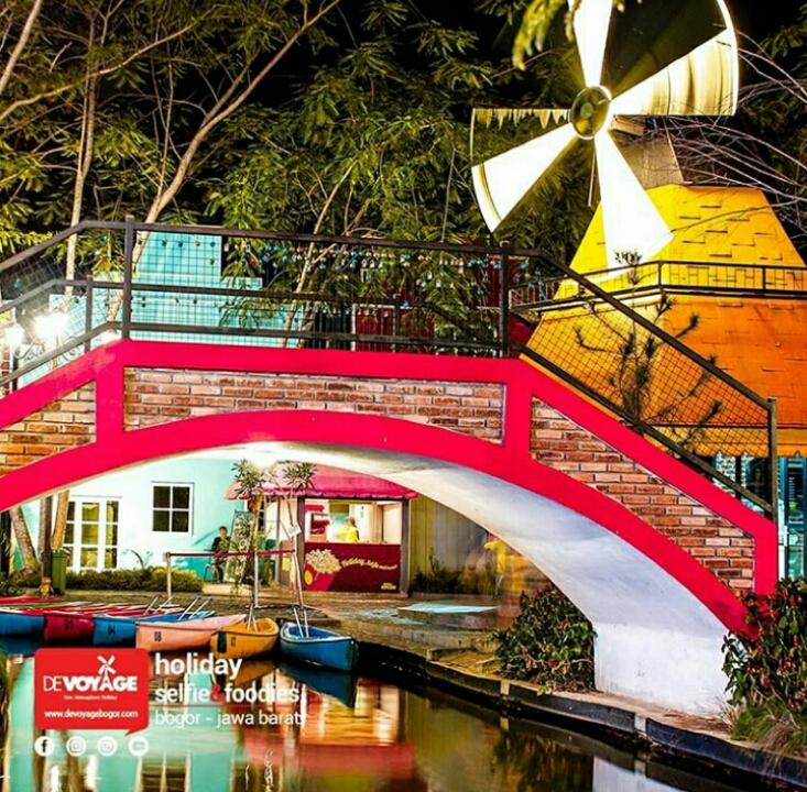 Devoyage Wisata Kampung Eropa Di Bogor Yang Instagenic Banget