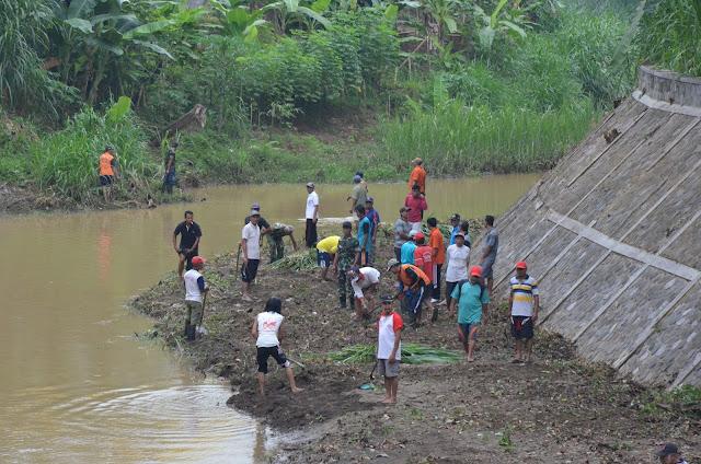 Kabupaten Trenggalek Bersih-bersih Kali