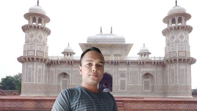 Mohit Kumar Yadav at Itimad Ud Daulah Tomb