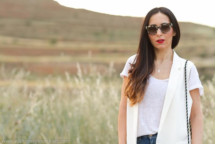 Blogger influencer de moda valenciana con los vaqueros que mejor sientan