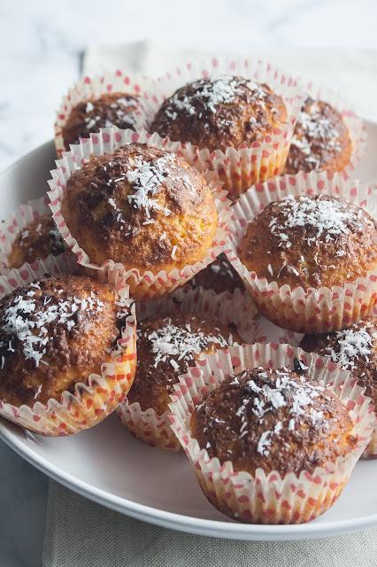Muffin al cocco: i dolcetti monoporzione soffici e gustosi